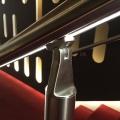 Detail verlichte trapleuning