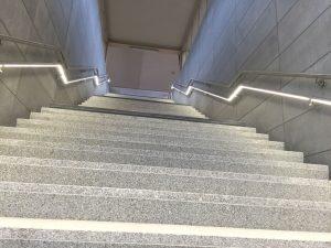 LED-Treppenbeleuchtung Bahnhof Bruessel-Nord